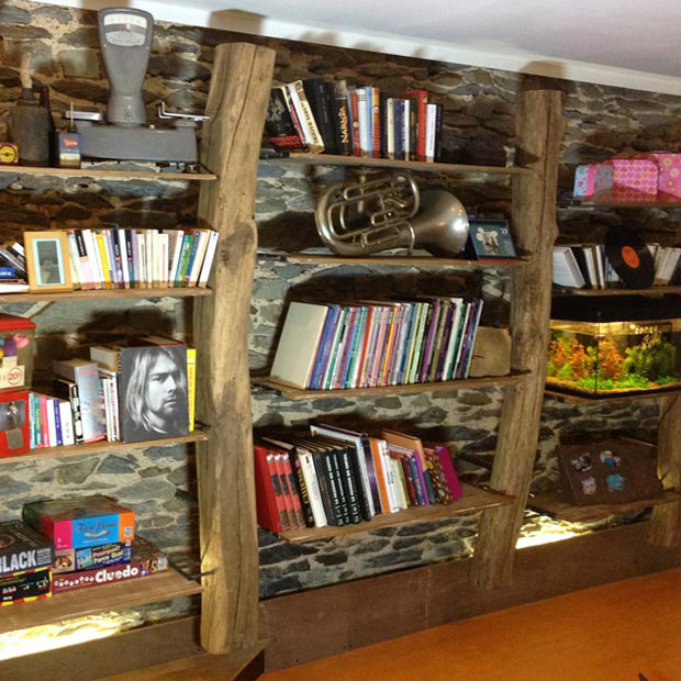 biblioth que suspendue. Black Bedroom Furniture Sets. Home Design Ideas